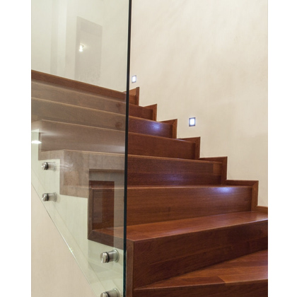 Abbildung Treppe mit Glasgeländer