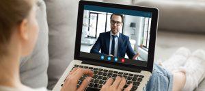 Abbildung Videomeeting mit Laptop